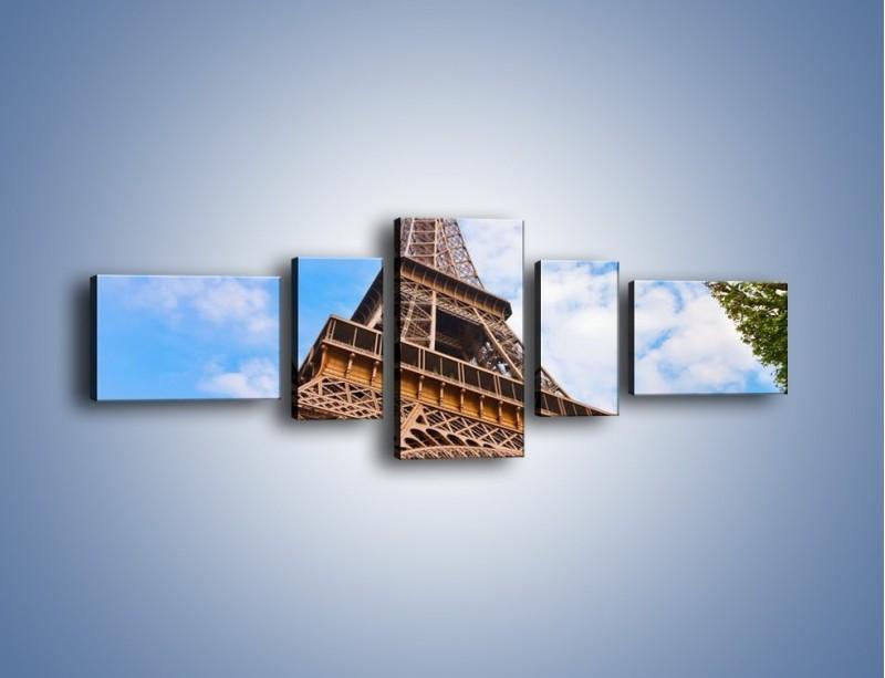 Obraz na płótnie – Wieża Eiffla pod chmurkami – pięcioczęściowy AM173W6