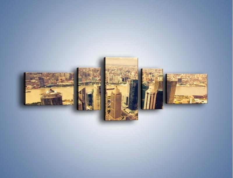Obraz na płótnie – Miasto w pochmurny dzień – pięcioczęściowy AM178W6