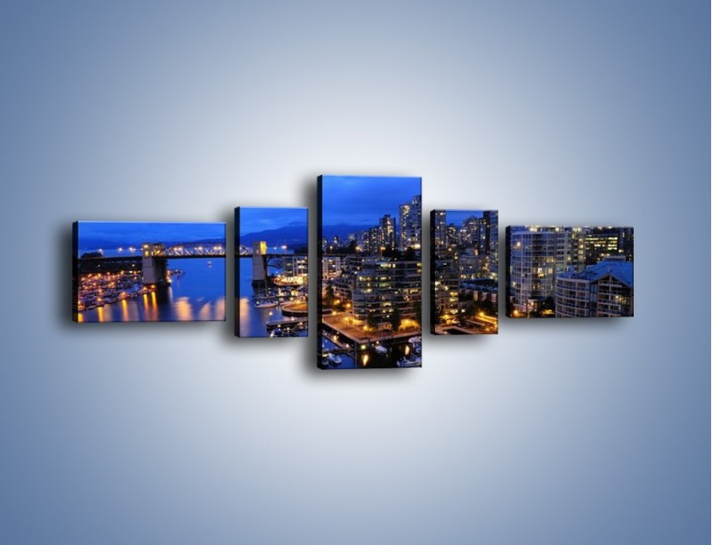 Obraz na płótnie – Port na jachty w mieście nocą – pięcioczęściowy AM250W6