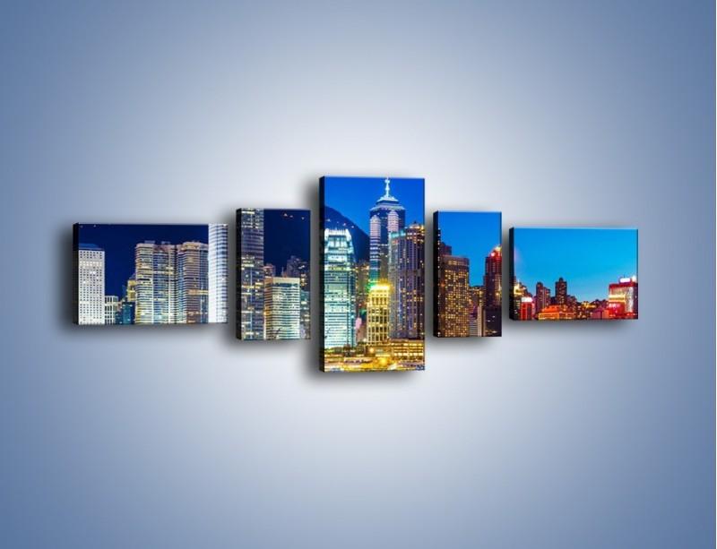 Obraz na płótnie – Oświetlone wieżowce Hong Kongu – pięcioczęściowy AM498W6