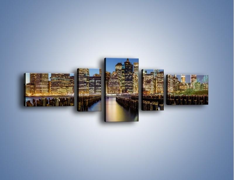 Obraz na płótnie – Zniszczone molo i widok na Manhattan – pięcioczęściowy AM601W6