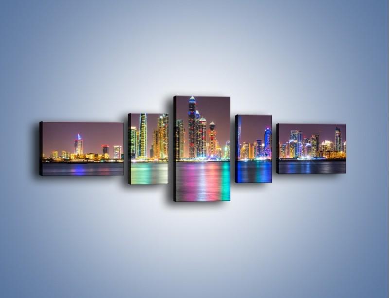 Obraz na płótnie – Kolorowe drapacze chmur w Dubaju – pięcioczęściowy AM724W6
