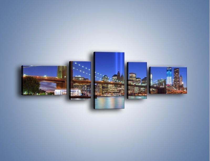Obraz na płótnie – Świetlne kolumny w Nowym Jorku – pięcioczęściowy AM757W6