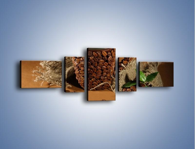Obraz na płótnie – Kubek z ziarnami kawy – pięcioczęściowy JN388W6