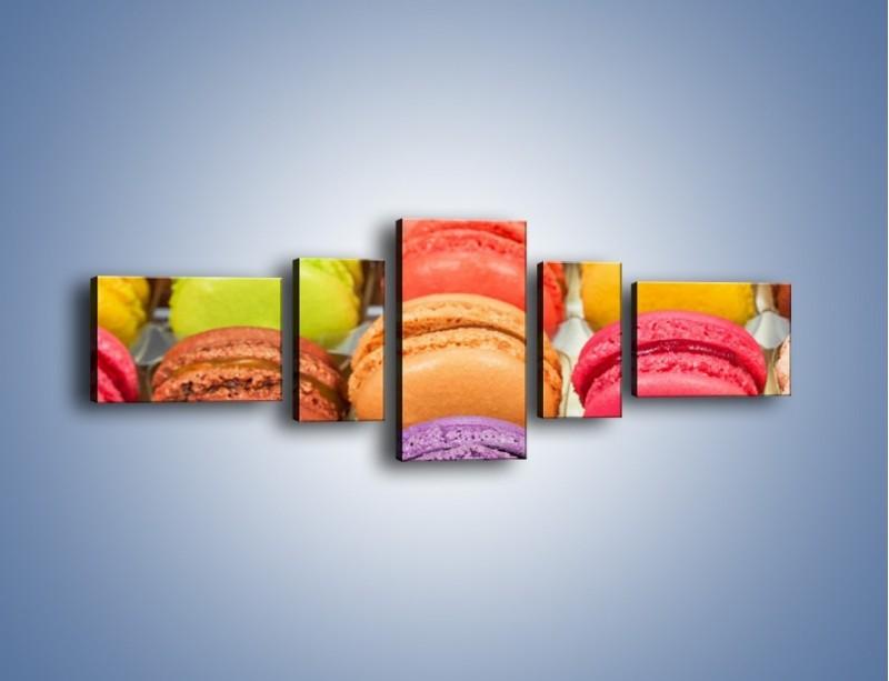Obraz na płótnie – Słodkie babeczki w kolorach tęczy – pięcioczęściowy JN458W6