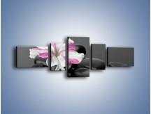 Obraz na płótnie – Czarna tafla z kwiatem – pięcioczęściowy K520W6