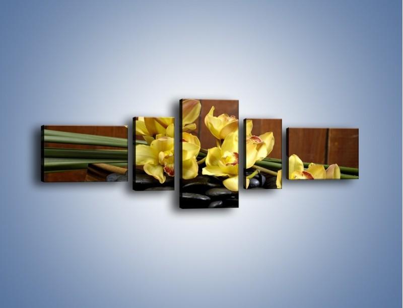 Obraz na płótnie – Kwiaty na drewnianym naczyniu – pięcioczęściowy K575W6