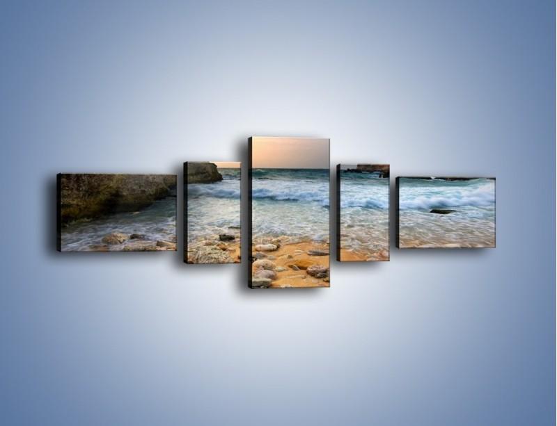 Obraz na płótnie – Kamienista plaża o poranku – pięcioczęściowy KN043W6
