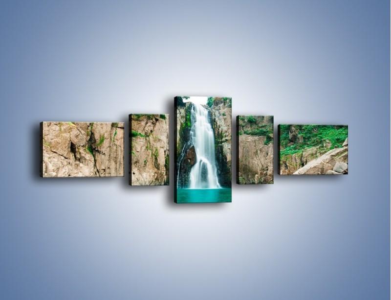 Obraz na płótnie – Skok ze skarpy do wody – pięcioczęściowy KN1184AW6