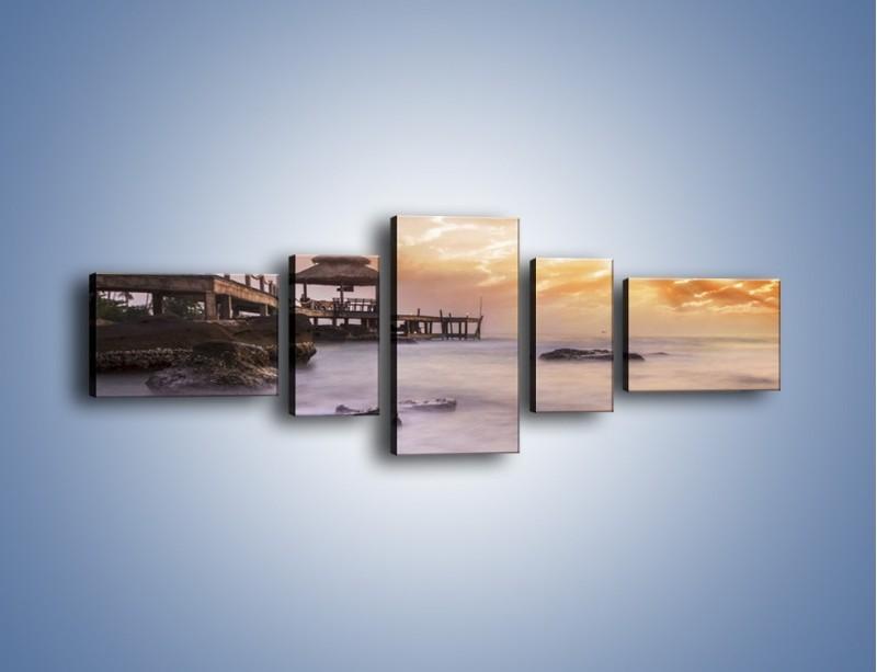 Obraz na płótnie – Wilgotne powietrze nad pomostem – pięcioczęściowy KN1356AW6