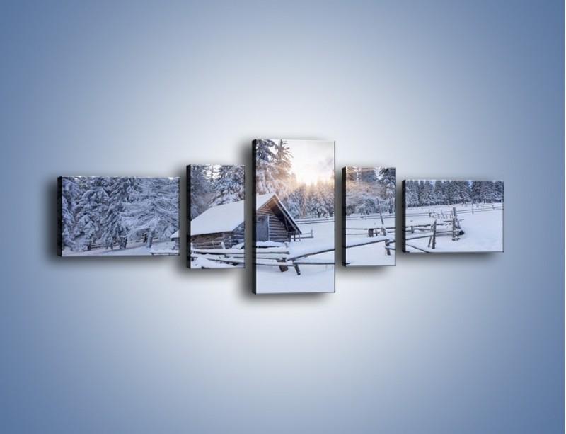 Obraz na płótnie – Chatka zatopiona w śniegu – pięcioczęściowy KN696W6