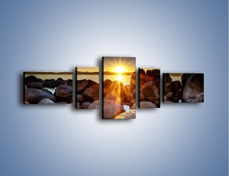 Obraz na płótnie – Kamienna wyspa w słońcu – pięcioczęściowy KN888W6