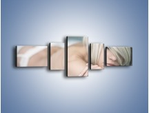 Obraz na płótnie – Biel idealna do łóżka – pięcioczęściowy L024W6