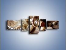 Obraz na płótnie – Morskie dodatki przy butelkach – pięcioczęściowy O090W6