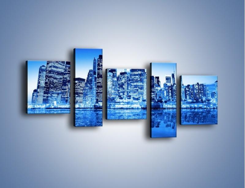 Obraz na płótnie – Odbicie miasta w tafli wody – pięcioczęściowy AM004W7