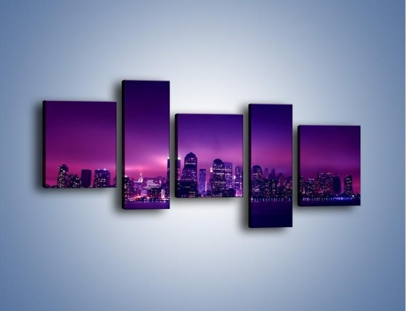 Obraz na płótnie – Wieżowce w odcieniach fioletu – pięcioczęściowy AM008W7