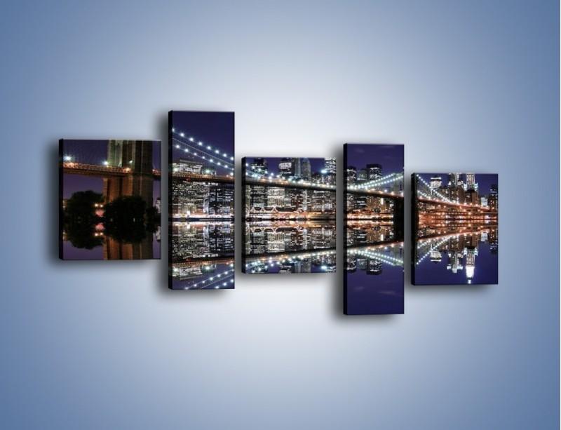 Obraz na płótnie – Most Brookliński w lustrzanym odbiciu wody – pięcioczęściowy AM067W7
