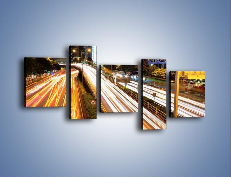 Obraz na płótnie – Ulice w ruchu w mieście – pięcioczęściowy AM089W7