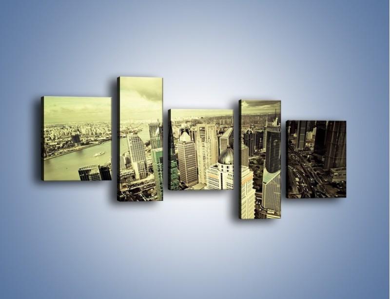 Obraz na płótnie – Ciemne chmury nad miastem – pięcioczęściowy AM130W7