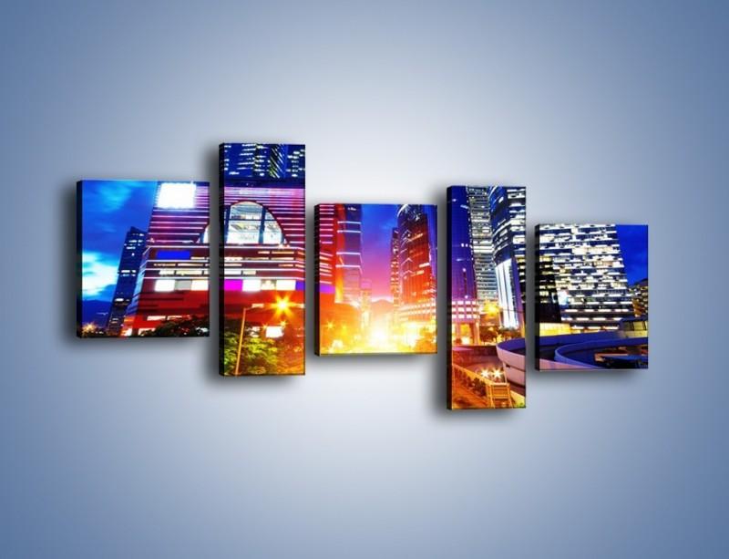 Obraz na płótnie – Miasto w żywych kolorach – pięcioczęściowy AM131W7