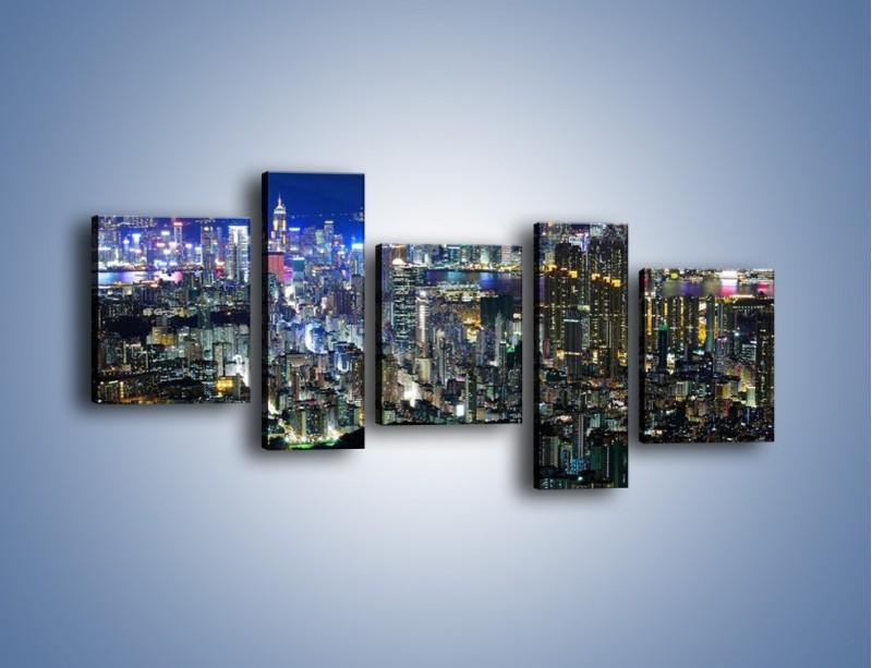 Obraz na płótnie – Nocne światła w dużym mieście – pięcioczęściowy AM144W7