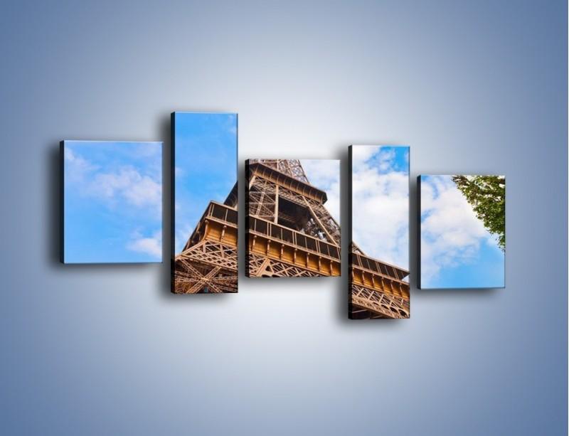 Obraz na płótnie – Wieża Eiffla pod chmurkami – pięcioczęściowy AM173W7