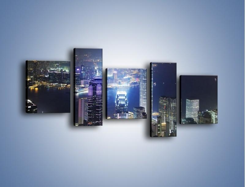 Obraz na płótnie – Miasto oświetlone nocą – pięcioczęściowy AM223W7