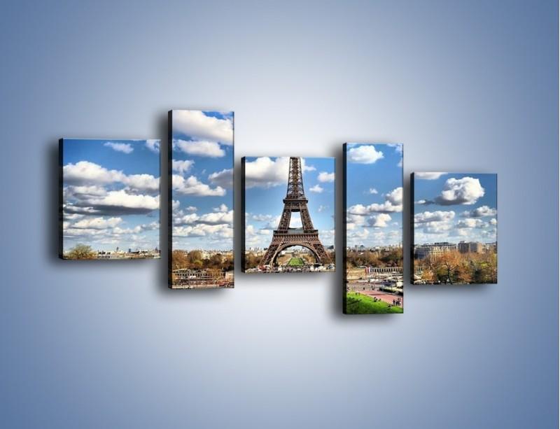 Obraz na płótnie – Wieża Eiffla w pochmurny dzień – pięcioczęściowy AM227W7
