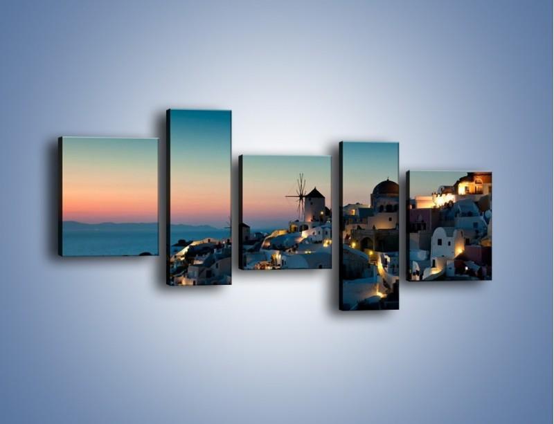 Obraz na płótnie – Domki na Santorini po zmierzchu – pięcioczęściowy AM421W7