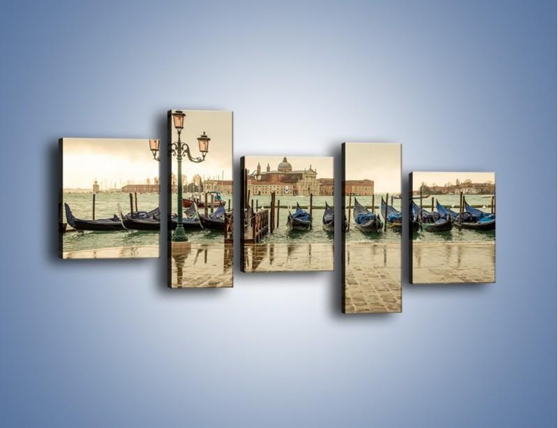 Obraz na płótnie – Zacumowane weneckie gondole – pięcioczęściowy AM462W7