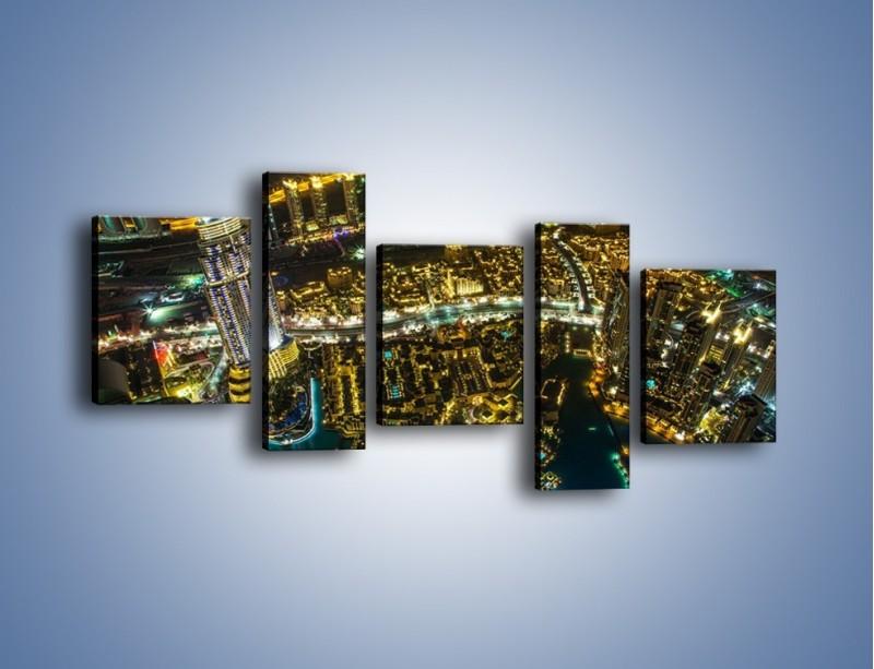 Obraz na płótnie – Dubaj nocą z lotu ptaka – pięcioczęściowy AM507W7