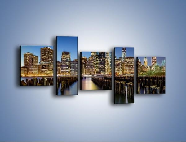 Obraz na płótnie – Zniszczone molo i widok na Manhattan – pięcioczęściowy AM601W7