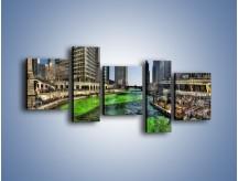 Obraz na płótnie – Chicago River w Dzień św. Patryka – pięcioczęściowy AM605W7