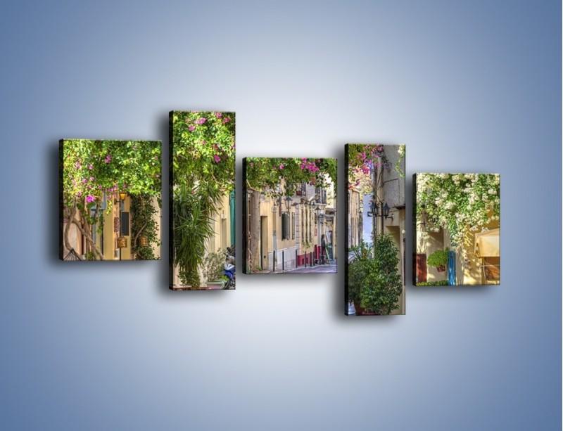Obraz na płótnie – Uliczka w historycznej części Aten – pięcioczęściowy AM675W7
