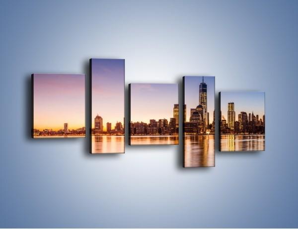 Obraz na płótnie – Panorama NYC przy wschodzie słońca – pięcioczęściowy AM731W7