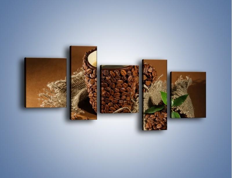 Obraz na płótnie – Kubek z ziarnami kawy – pięcioczęściowy JN388W7