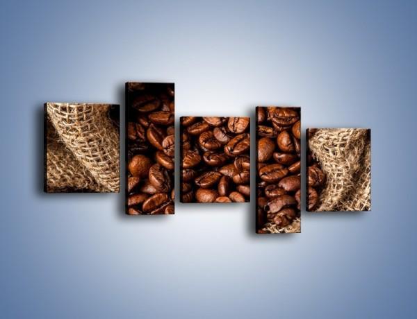 Obraz na płótnie – Ziarna kawy schowane w ciemnym worku – pięcioczęściowy JN660W7