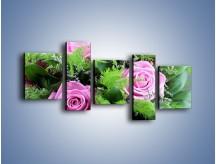 Obraz na płótnie – Bukiet róż wypełniony trawką – pięcioczęściowy K068W7