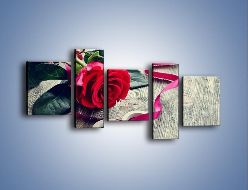 Obraz na płótnie – Od serca aż po różę – pięcioczęściowy K1013W7