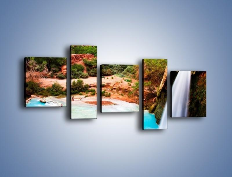 Obraz na płótnie – Zabawy przy wodospadzie – pięcioczęściowy KN095W7