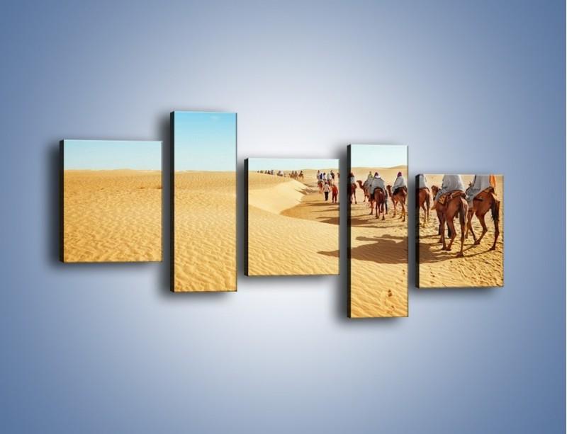 Obraz na płótnie – Szła karawana przez pustynię – pięcioczęściowy KN1173AW7