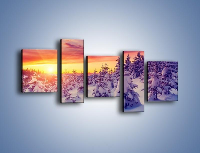 Obraz na płótnie – Choinki w śnieżnej szacie – pięcioczęściowy KN1220AW7