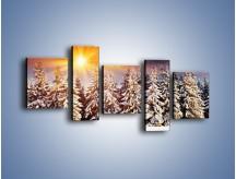 Obraz na płótnie – Choinki w środku zimy – pięcioczęściowy KN682W7