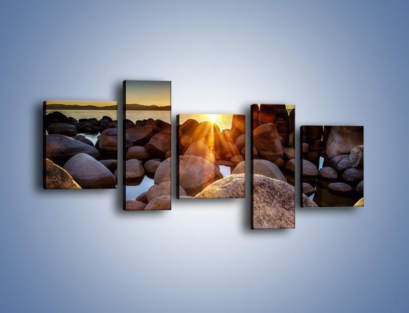 Obraz na płótnie – Kamienna wyspa w słońcu – pięcioczęściowy KN888W7