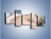 Obraz na płótnie – Biel idealna do łóżka – pięcioczęściowy L024W7