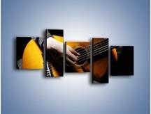 Obraz na płótnie – Chłopiec z gitarą – pięcioczęściowy O109W7