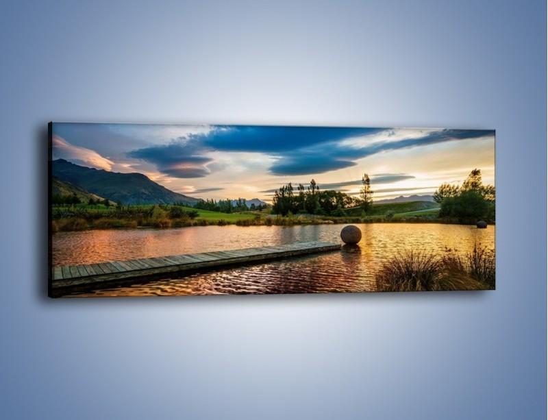 Obraz na płótnie – Drewniana droga do kuli – jednoczęściowy panoramiczny KN829