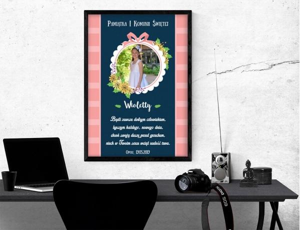Plakat lub obraz na Pamiątkę I Komunii - Zdjęcie z kokardą i liśćmi