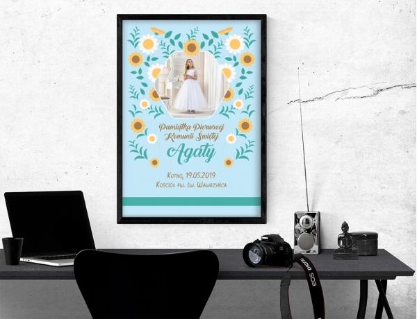 Plakat lub obraz na Pamiątkę I Komunii - Zdjęcie wśród kolorowych kwiatów