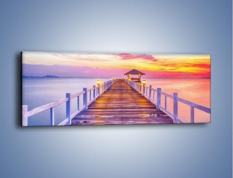 Obraz na płótnie – Spokojnym krokiem po moście – jednoczęściowy panoramiczny KN918